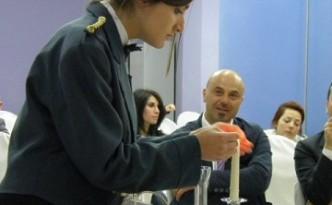 Gaetana Supino durante la prova di servizio