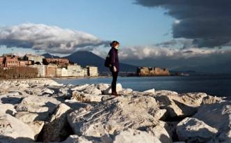 Una vista di Napoli e del Vesuvio dal mare foto di Nadia Shira Cohen per The New York Times