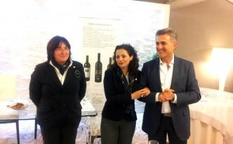 Da sinistra Maria Sarnataro, Nicoletta Gargiulo e Andrea Ferraioli