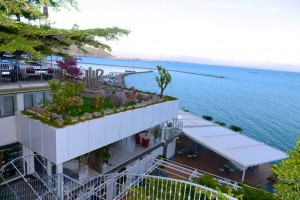 le terrazze del Re Maurì affacciate sul Golfo di Salerno