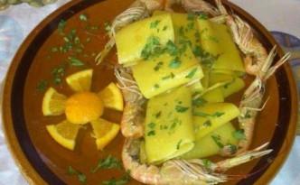 Paccheri di Gragnano con scampi e arance profumati allo zafferano
