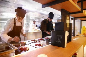 Pari Biosteria, il lavoro in cucina - foto di Giuseppe Corsini
