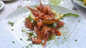 Lo Stuzzichino, Il mare a tavola - gamberetti di nassa di Crapolla serviti nel limone femminiello