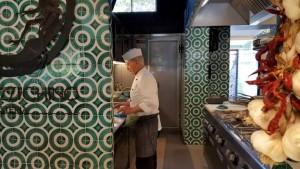 Lo Stuzzichino, Paolo De Gregorio al lavoro in cucina