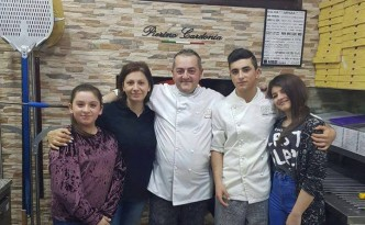 L'Oro di Napoli, Pierino Cardonia con la sua famiglia
