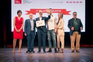 50 Top Pizza 2018, Franco Pepe e i figli nel momento della premiazione con Luciano Pignataro, Barbara Guerra e Albert Sapere - foto di Alessandra Farinelli