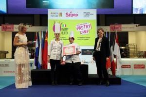 La pastry chef Ilaria Castellaneta alla premiazione delle selezioni 2019
