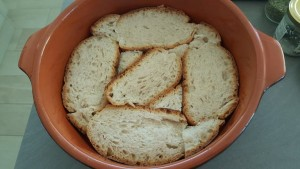 Pizza di pane raffermo, la base